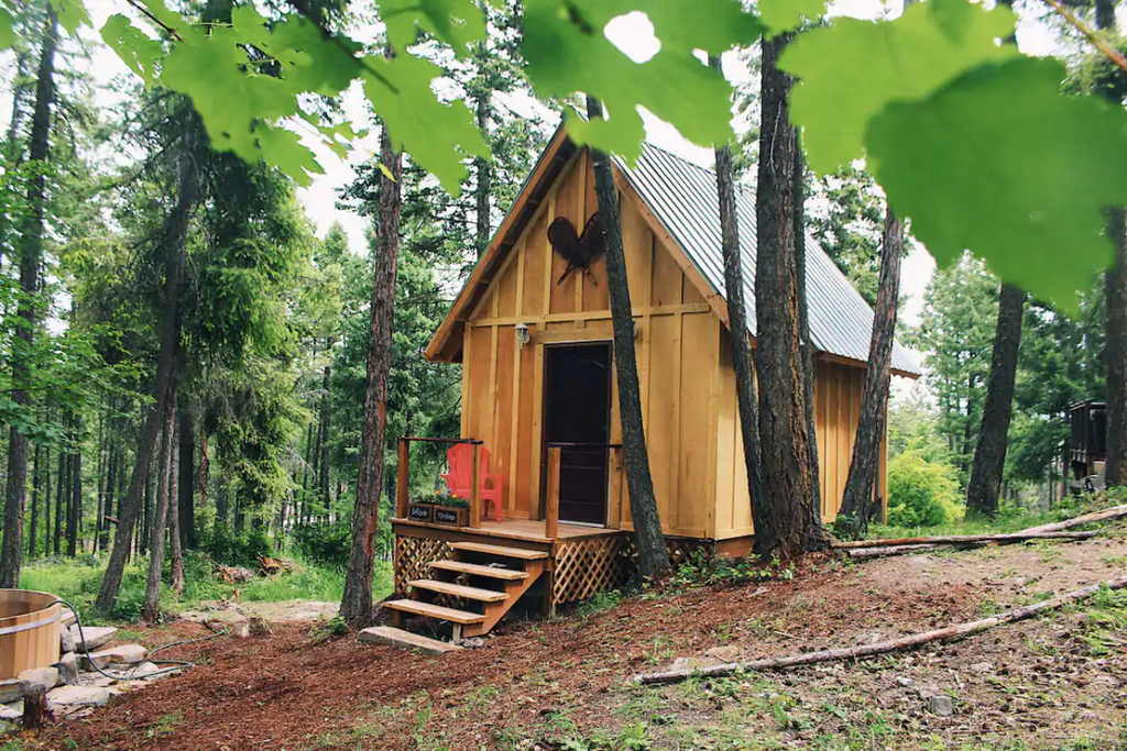 20 Tiny Houses in Montana You Can Rent on Airbnb in 2020!