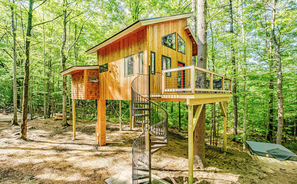 12 Tiny Houses in Maine You Can Rent on Airbnb in 2020!
