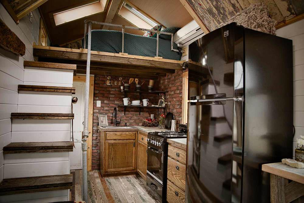 "192-sqft ""Birds Nest"" Tiny House Designed by Kim Lewis"