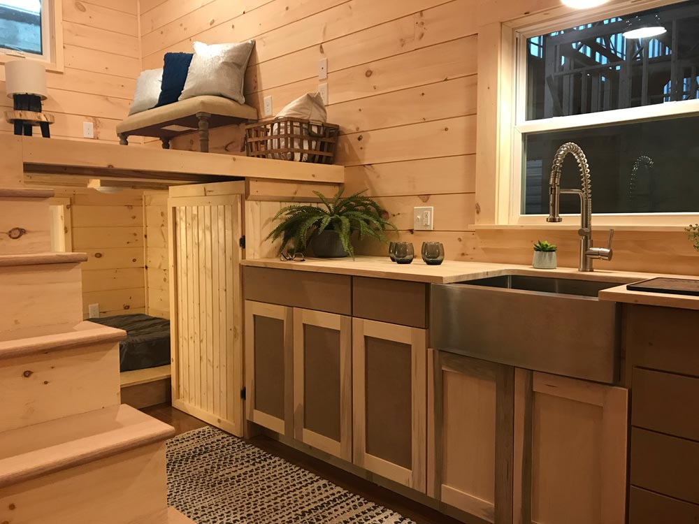 "22' ""Sweet Dream"" Reverse Loft Tiny House on Wheels by Incredible Tiny Homes"