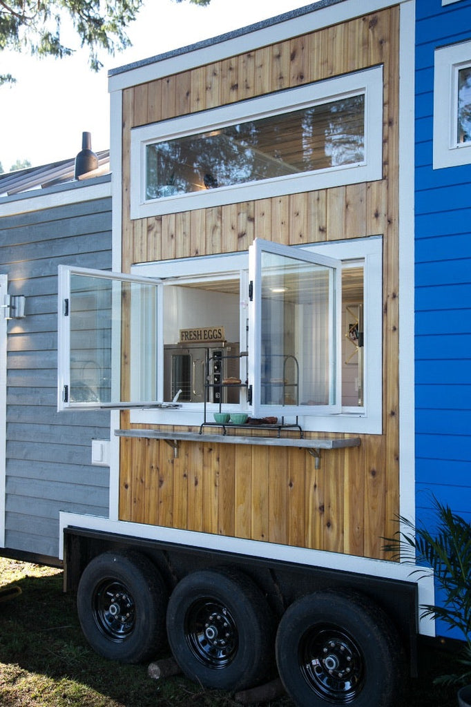 "34' ""Kentucky Donut Shop"" Bakery & Home on Wheels by Tiny Heirloom"