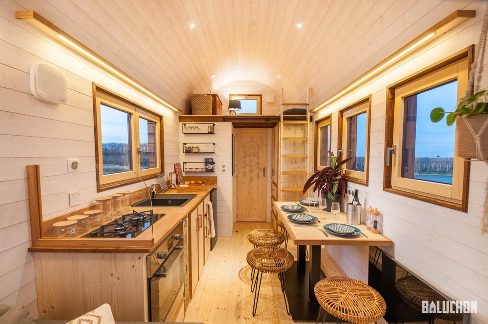 "6m ""Flamenco"" Tiny Home on Wheels by Tiny House Baluchon"