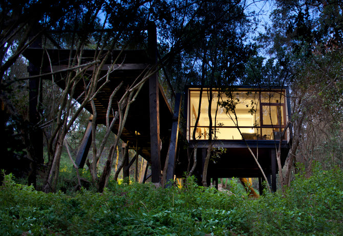 450sqft Casa Quebrada by UNarquitectura in Curacavi, Chile
