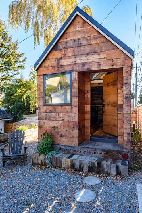 Tipsy the Tiny House for rent on Airbnb in Seattle, Wahsington