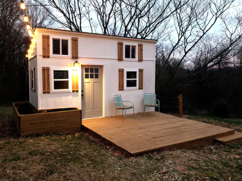 20 Tiny Houses In Tennessee You Can Rent On Airbnb In 2021 Dream Big Live Tiny Co