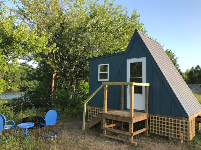 12 Tiny Houses in Missouri You Can Rent on Airbnb in 2020!