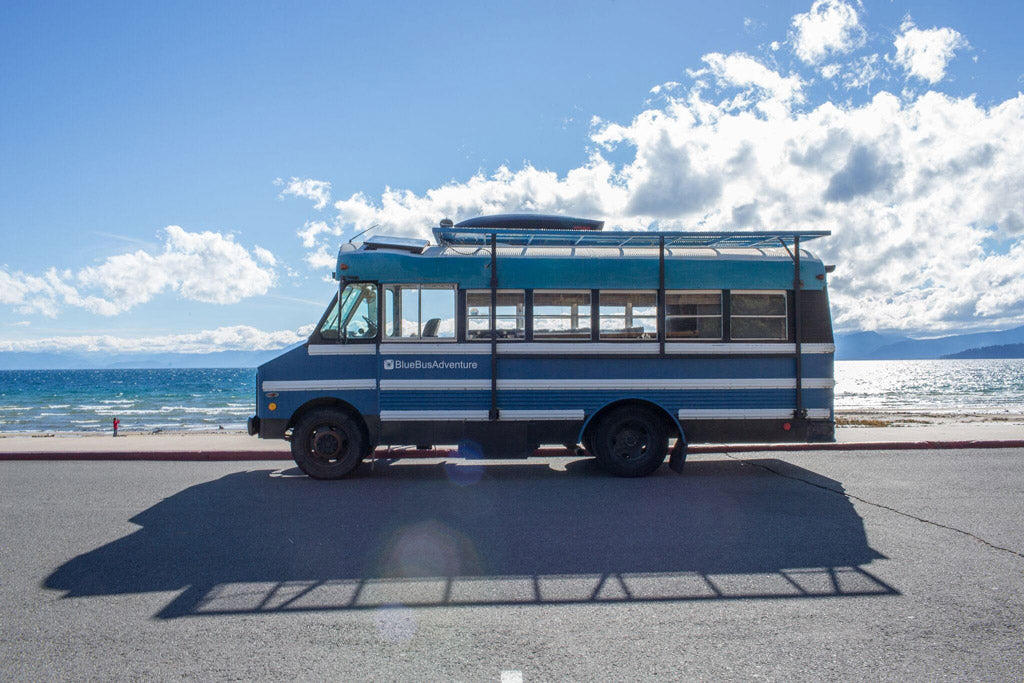 Blue Bus Adventure - Exterior at the beach