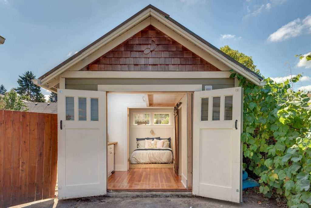 Carriage House Tiny Home in Oregon City, OR for rent on Airbnb