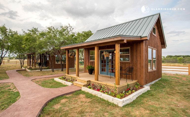 Tiny House Rental in a Peaceful Rural Setting in Waco, Texas