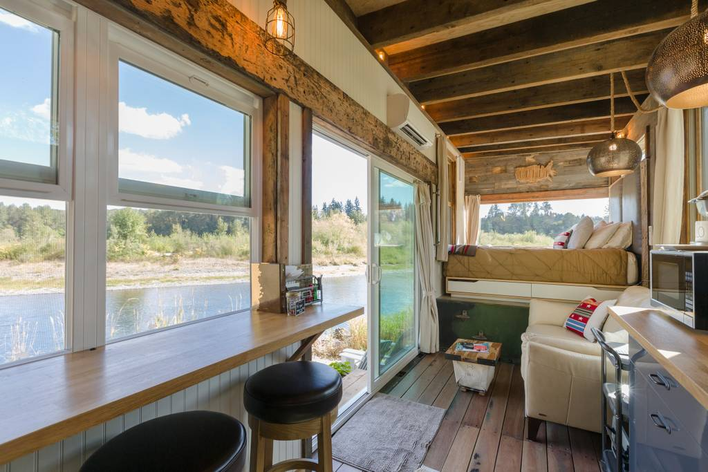 Tiny River House on Clackamas River in Portland, OR - Tiny Houses for rent on Airbnb