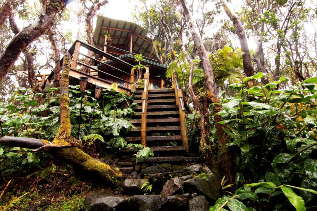 Treehouse at Kilauea Volcano in Volcano, Hawaii - Tiny Houses for rent on Airbnb