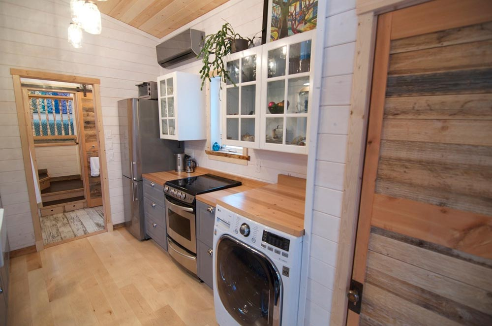 "The ""Winter Wonderland""—A 38' Gooseneck Tiny House built by Nelson Tiny Houses"