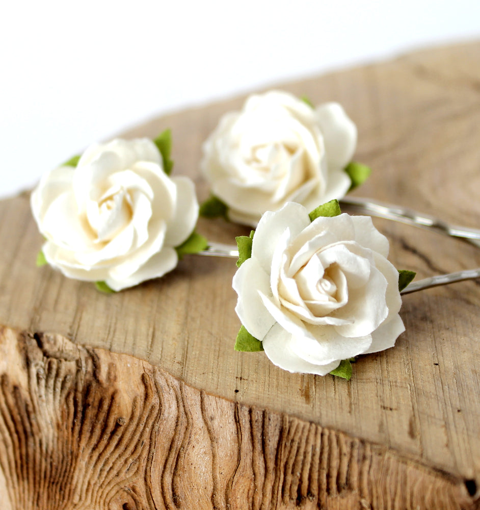 Load image into Gallery viewer, ivory flower hair clips for wedding