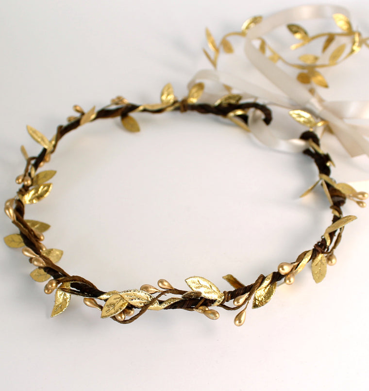 PERLA Gold Pip Berry and Leaf Garland