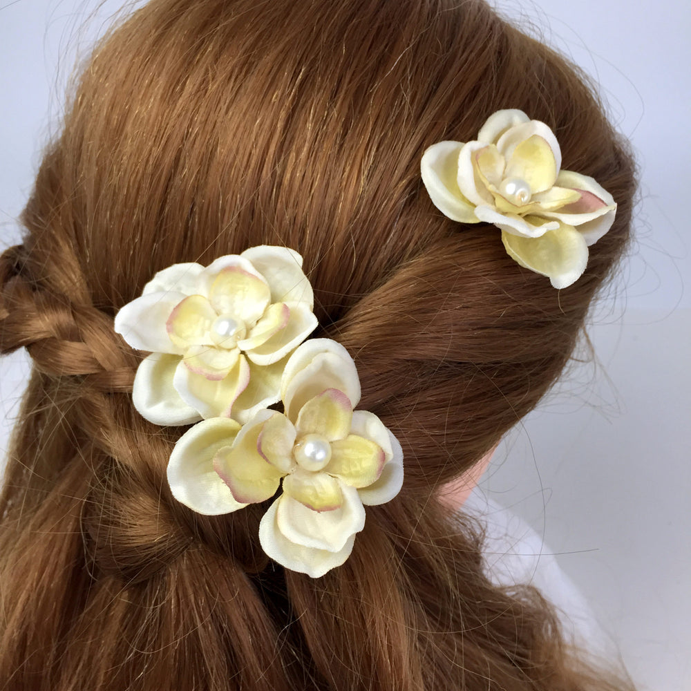 ivory hydrangea silk flower hair pins