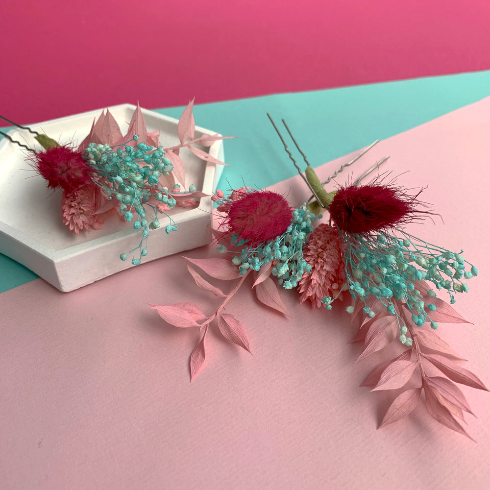 Load image into Gallery viewer, Pink and aqua dried flower hair pins