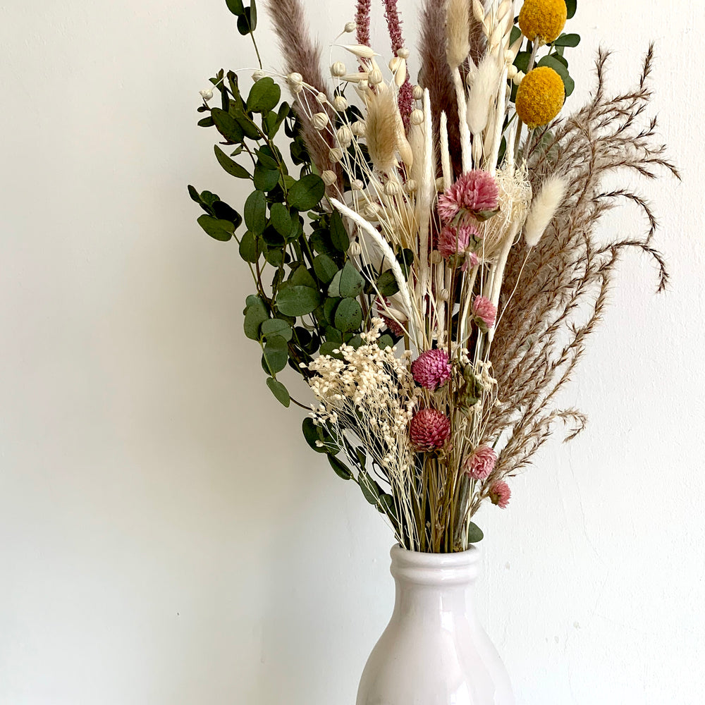 neutral natural dried flower bouquet