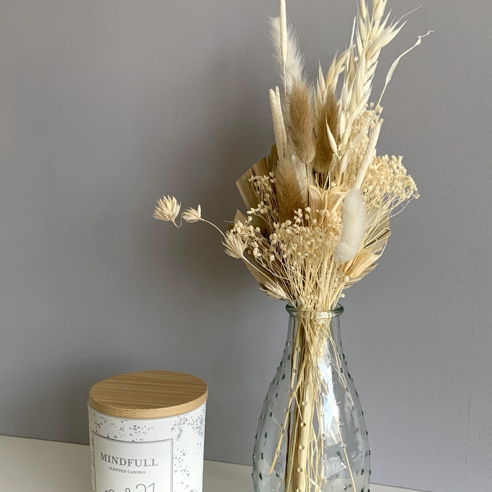 mini neutral dried flower bouquet