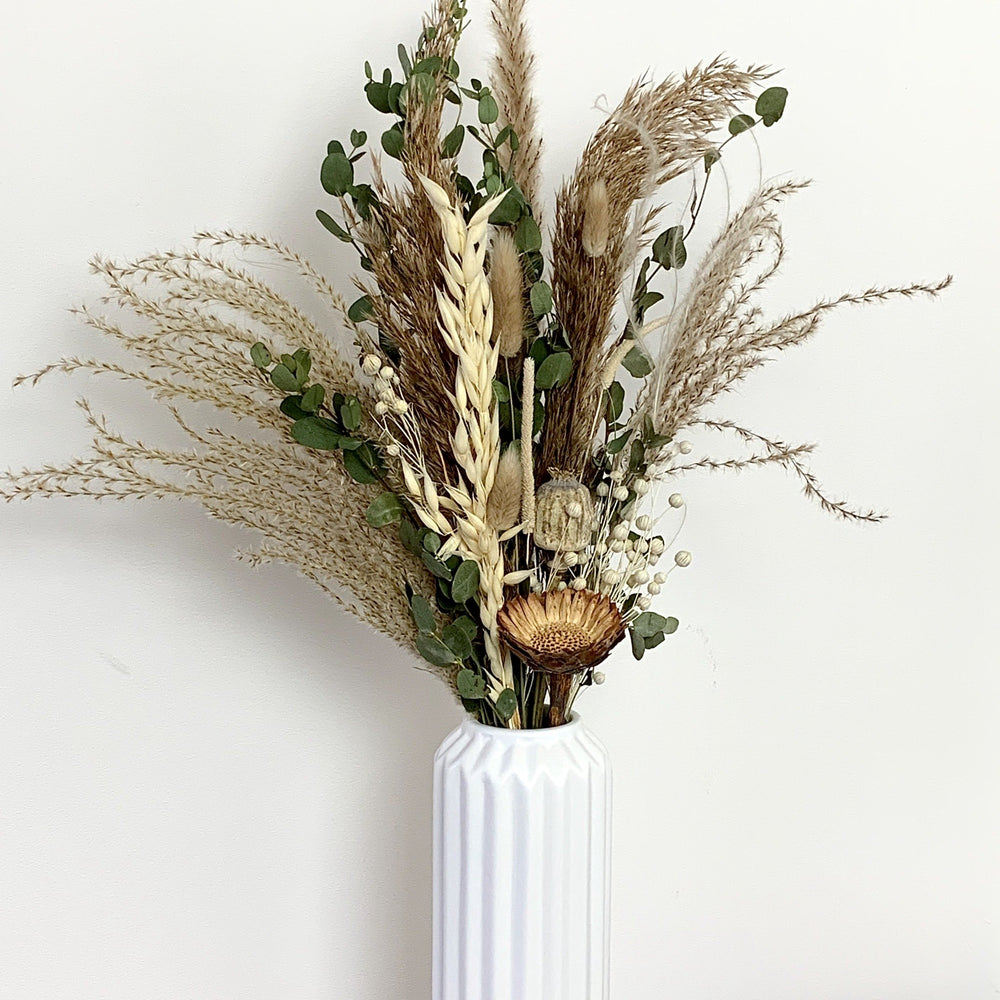 neutral dried flower bouquet
