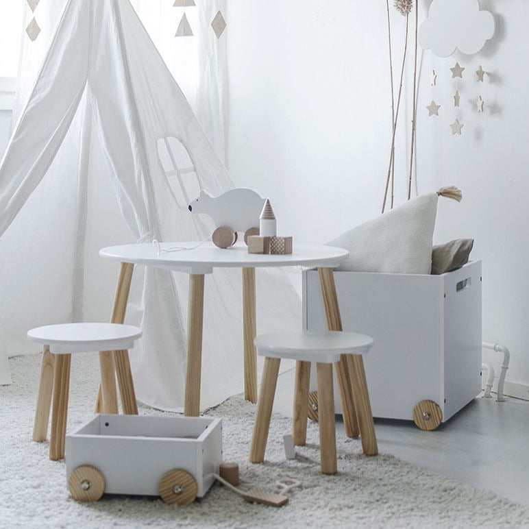 Table and 2 stools - white