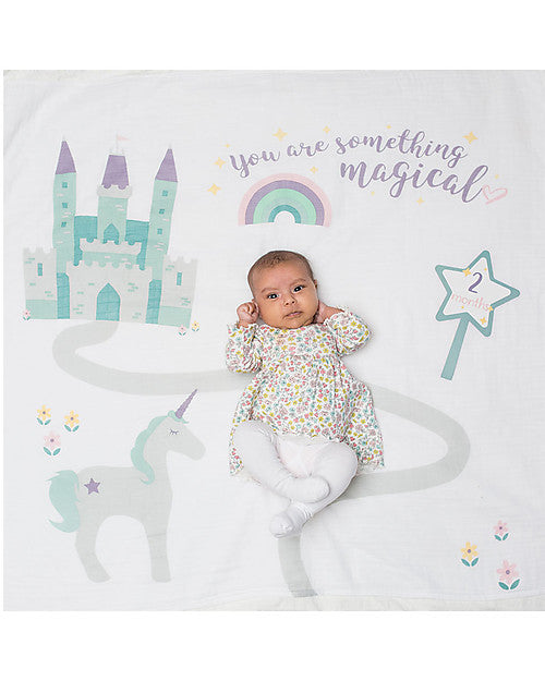Lulujo 'Something Special' First Year Kit - Swaddle Cover in Cotton Muslin + 14 Cards