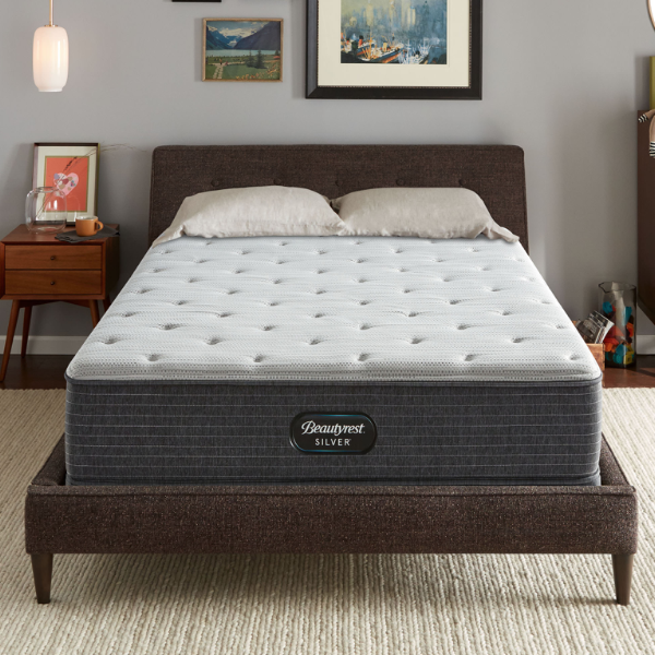 Beautyrest Silver BRS900™ Plush-Simmons-Sleeping Giant