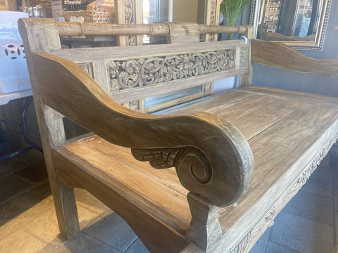 Carved Daybed Medium 215x95x110cm
