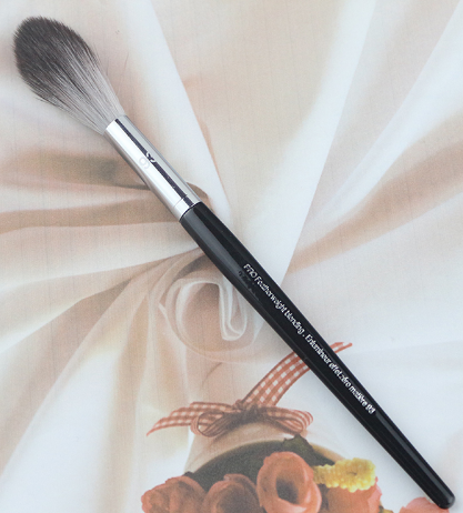 Pro Featherweight Powder Brush #91 by Sephora Collection #17