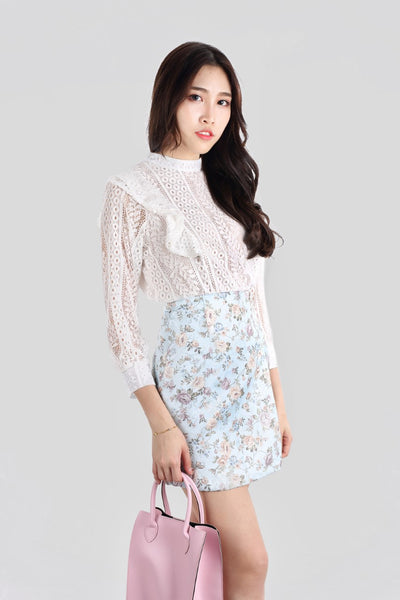 ROXANNE SLEEVES TOP LACE