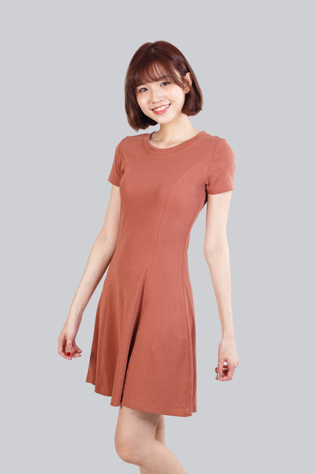 KEELY TEXTURED FLARE DRESS BROWN