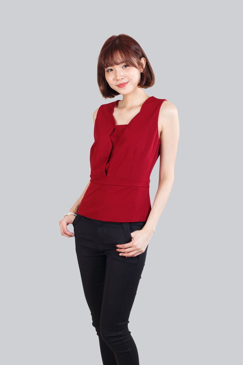 AINE SCALLOP TOP RED