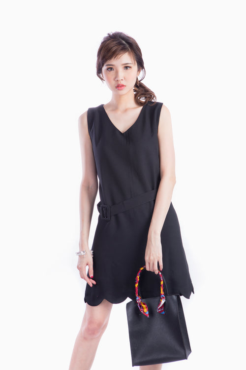 ZOE SCALLOP DRESS BLACK