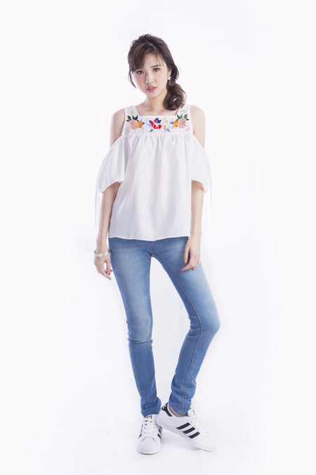 ALCEE BASIC FLARE TOP WHITE