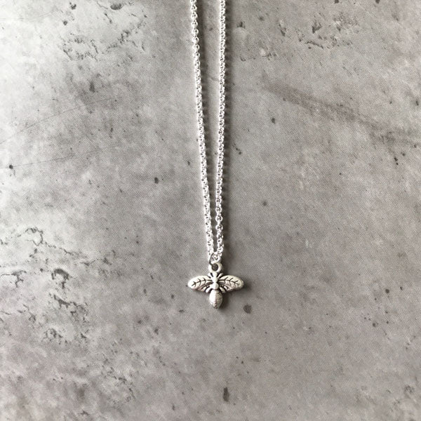 Bee nice necklace - silver