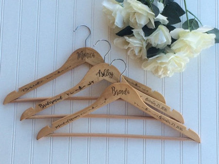 Personalized Wedding hanger for bride and/or wedding party - Favor Universe