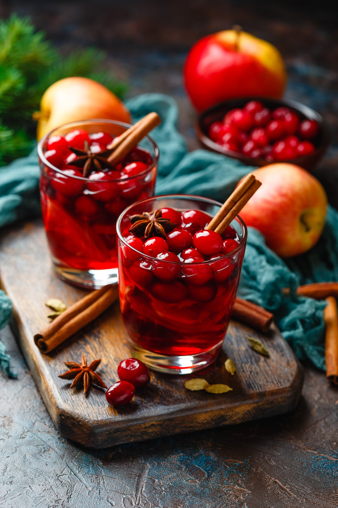 Appleberry gluhwein with cranberries