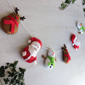 Family Christmas banner with Santa, reindeer and snowmen | Handmade christmas wall decoration
