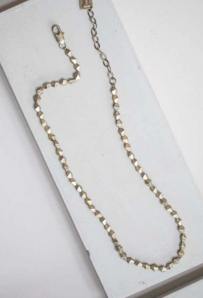 Alexis - Short Metal Bead Necklace - gold - m-use