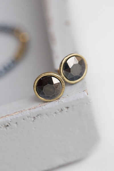 Glass Studs - gold - m-use