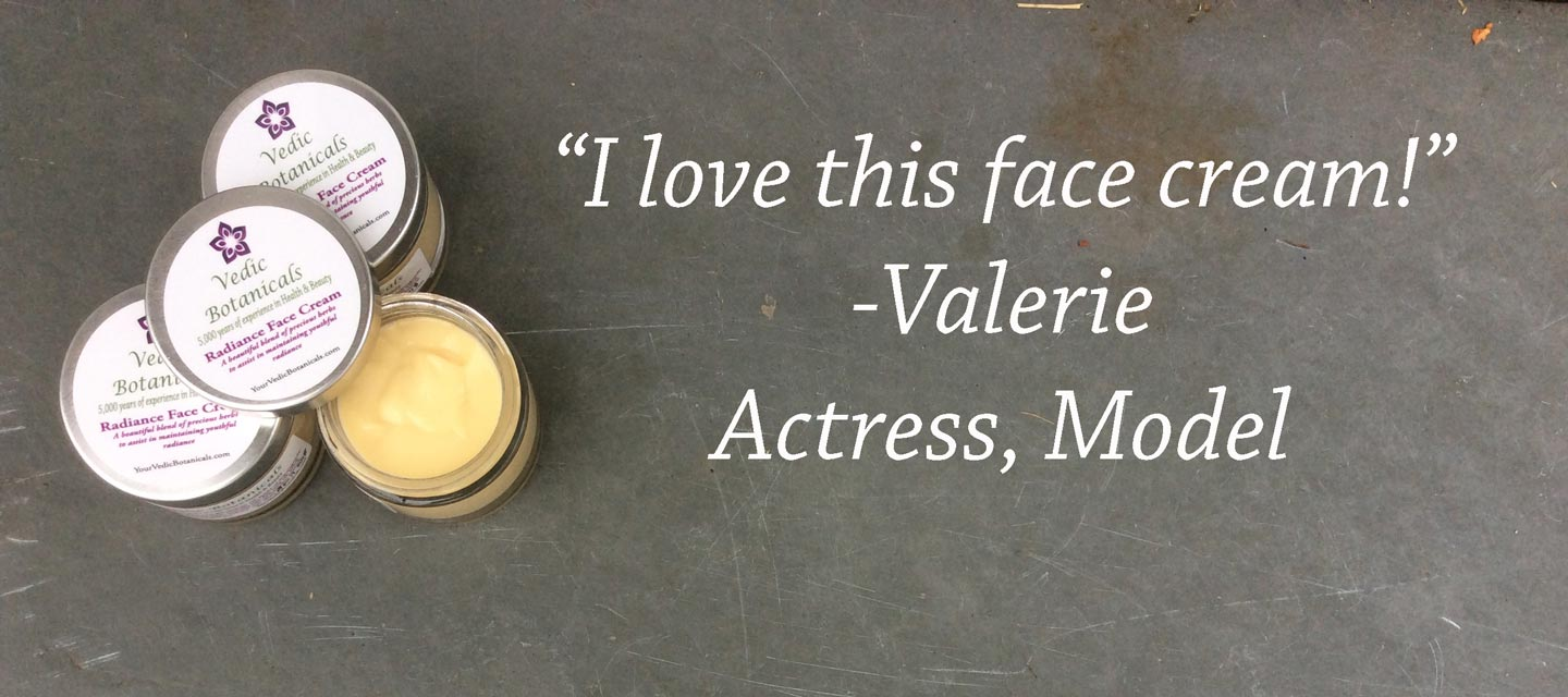 "Testimonial for Radiance Face cream, says ""I love this face cream!"""