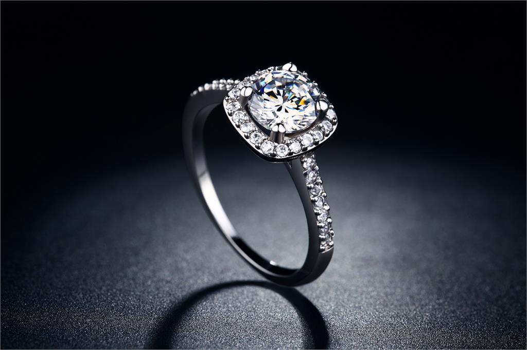 Exquisite Silver Ring