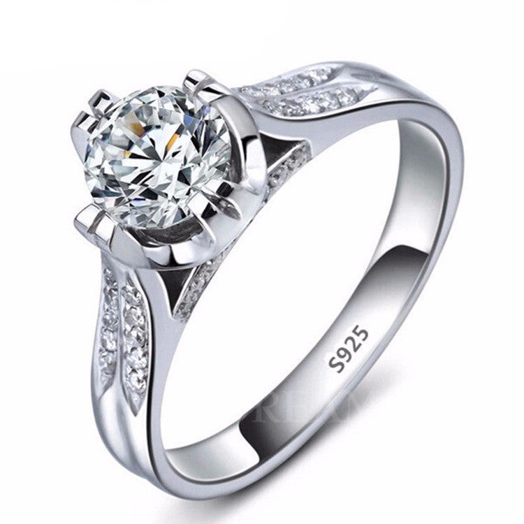 Silver plated Ring with cubic zirconia diamond