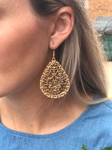Black wicker earring