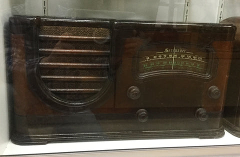 1930's Serenader Wooden Radio