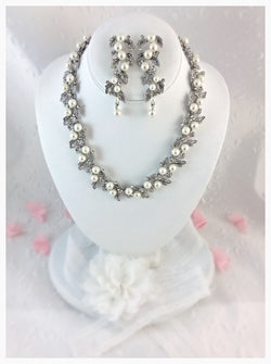 Bridal Jewelry set with Pearls and Rhinestones
