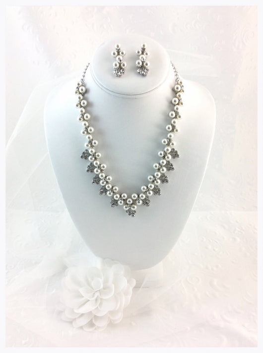Bridal Set Vintage Style with Pearls and Rhinestones