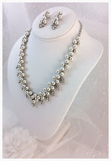 Bridal Set with Pearls and Rhinestones