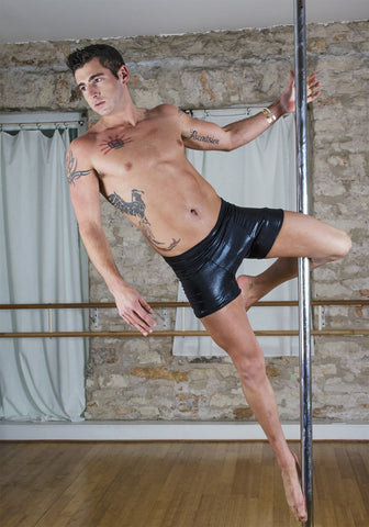 MEN'S POLE SHORT
