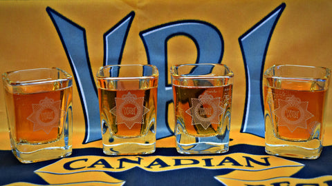 SHOT GLASS WITH CAP BADGE    (Set of 4)