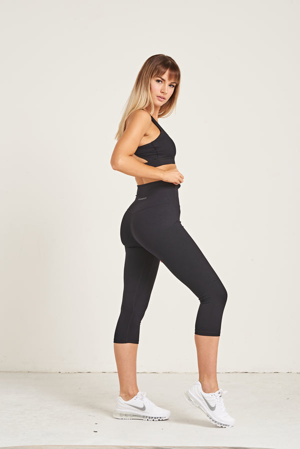 Luxe Crop Leggings 18 Inches - Jet Black